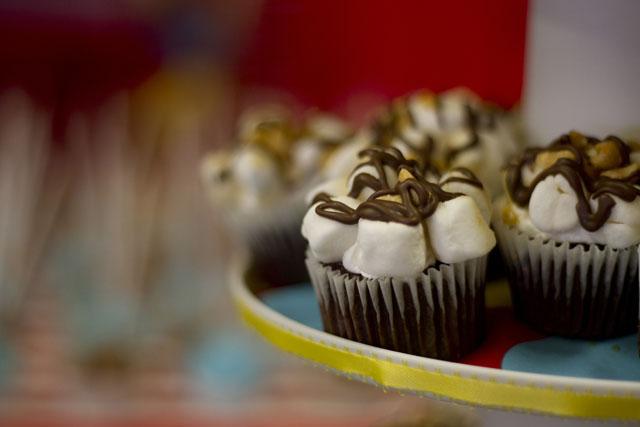vintage circus cupcake s'mores