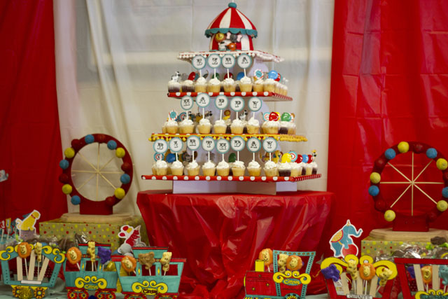 """Under the Big Top"" Vintage Circus Dessert Table"