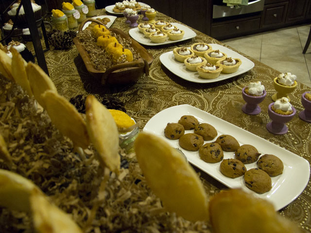 """""""give thanks"""" thanksgiving dessert table"""