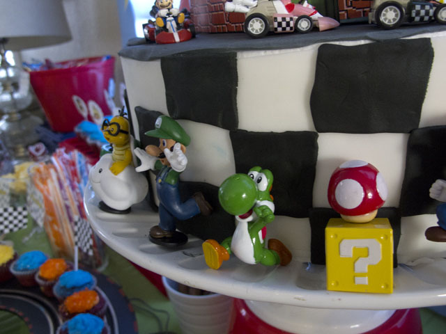 super mario kart cake figurines