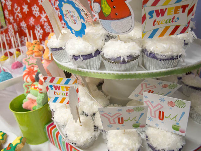 winter candyland cupcakes