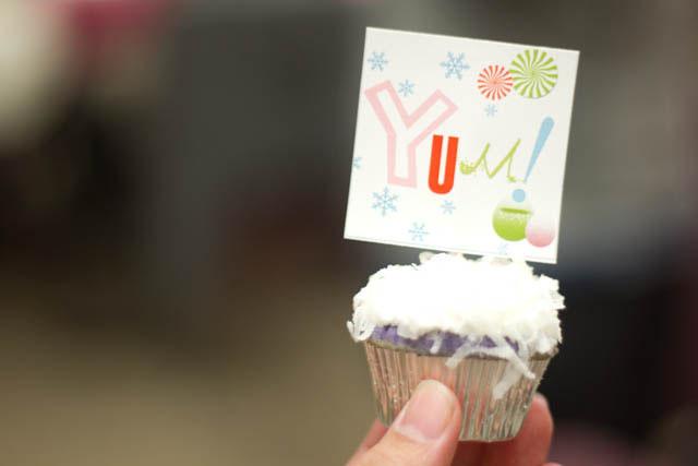 winter candyland cupcake