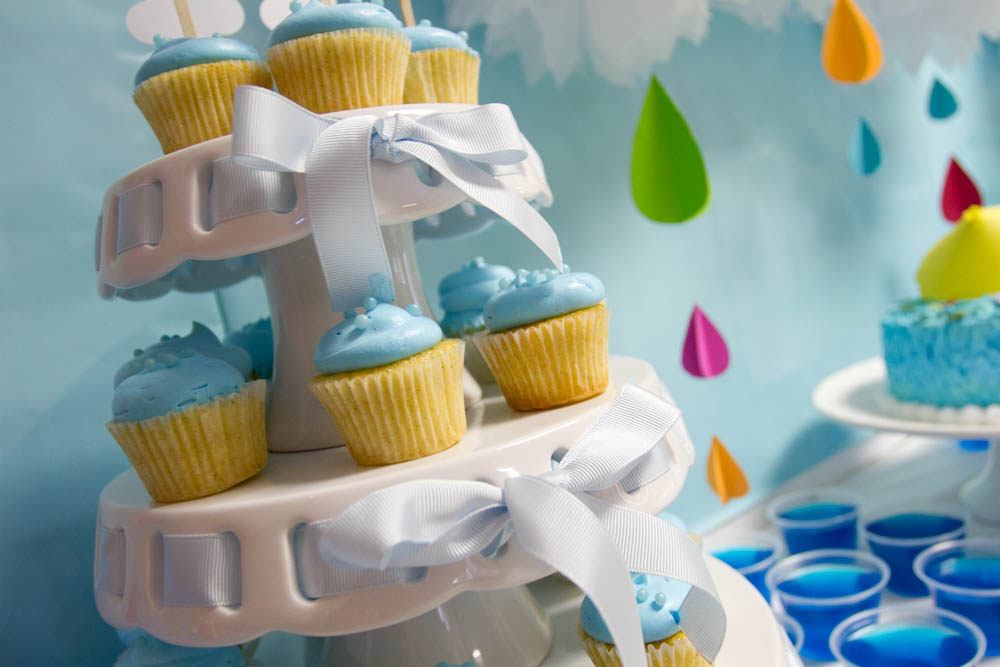 april showers cupcakes with clouds