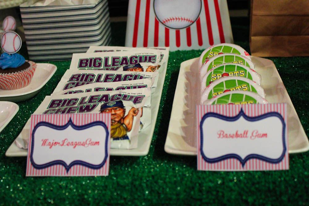 big league chew gum and baseball gum