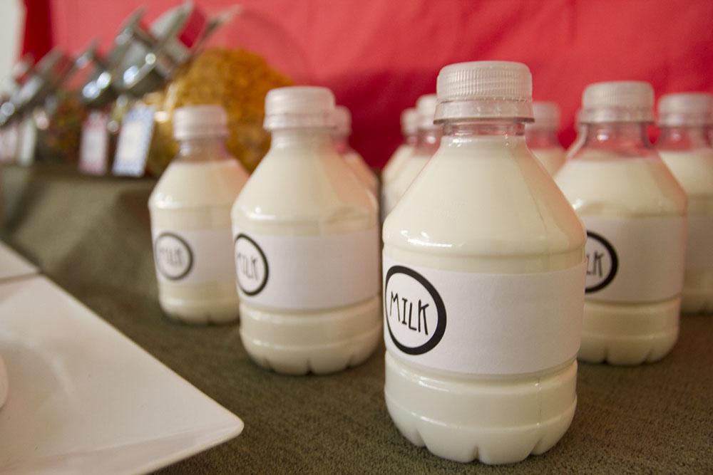 breakfast bar milk in small water bottle