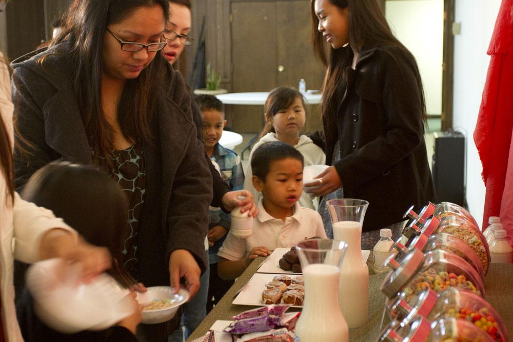 kids breakfast bar line