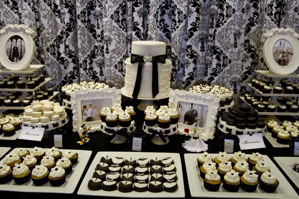 damask dessert table