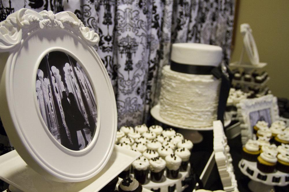 {Black & White} Damask Dessert Table