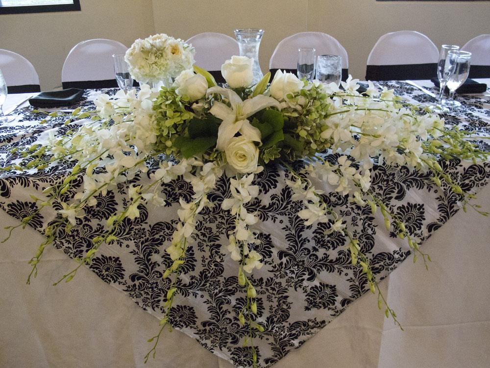 damask head table decoration