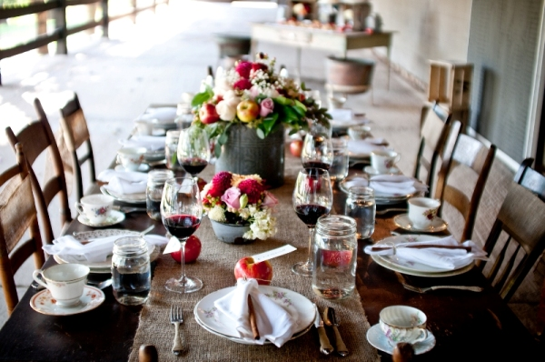 rustic elegance thanksgiving table