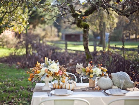 romantic outdoor thanksgiving table