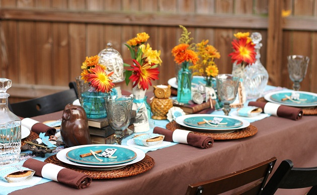 rustic eclectic thanksgiving table