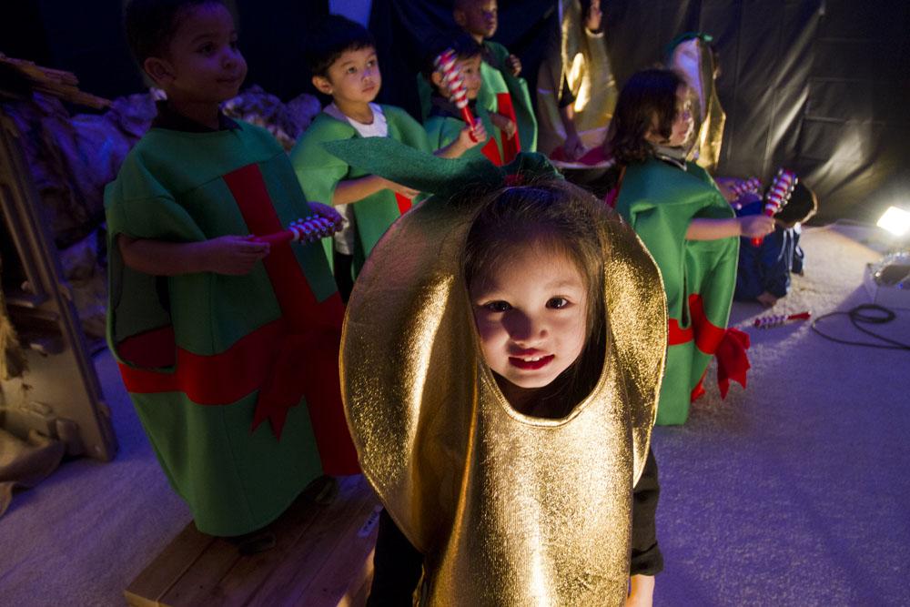 jingle with joy play