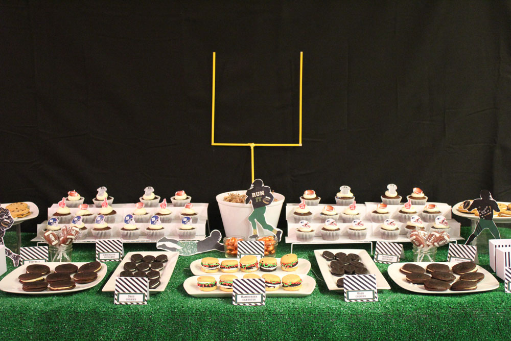 {Touchdown} Football Dessert Table