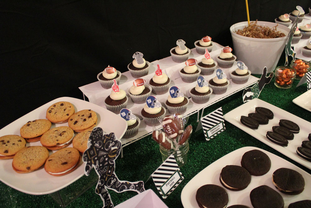 Football Dessert Table008