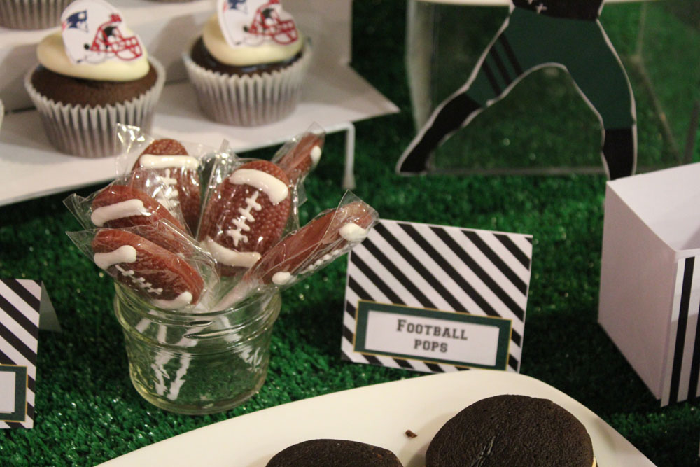 Football Dessert Table012