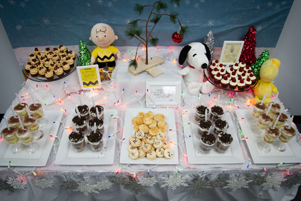 charlie brown christmas dessert table008
