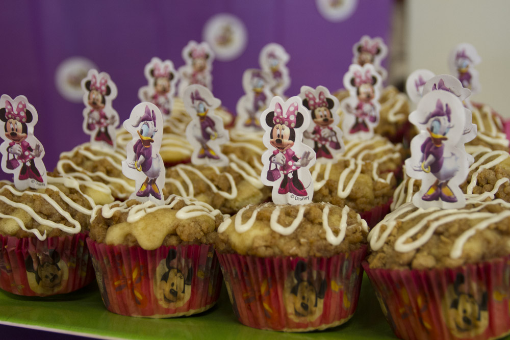 Minnie Mouse Dessert Table-016
