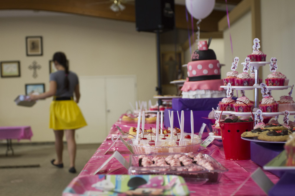 Minnie Mouse Dessert Table-018